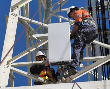 installing-ericssons-5g-radios-at-telstras-innovation-centre-on-the-gold-coast-australia